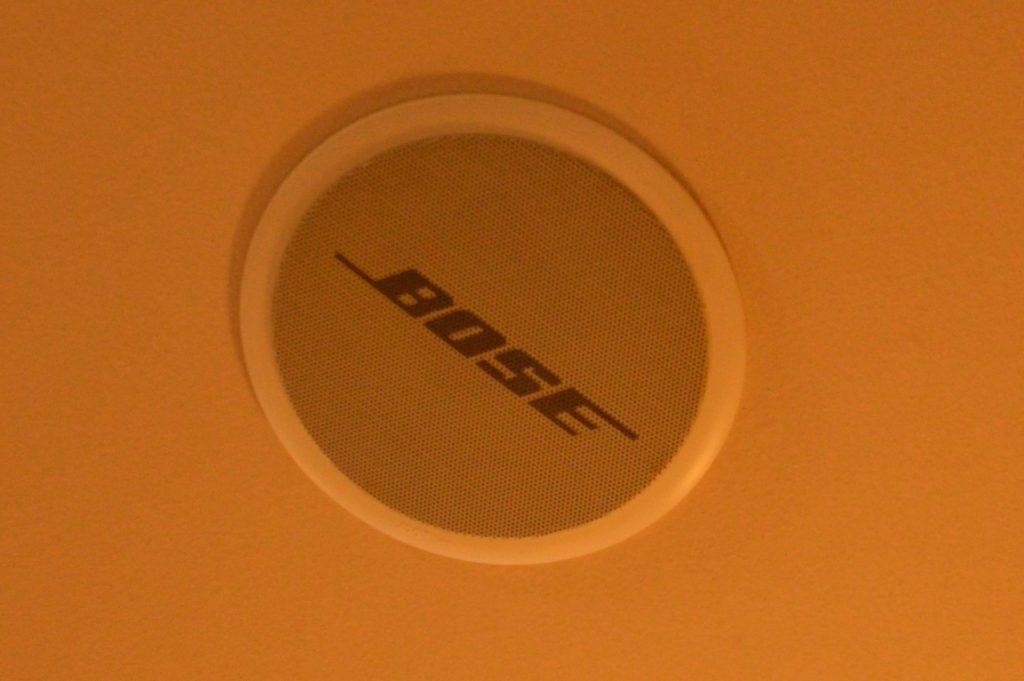 ムートン 天井のスピーカー