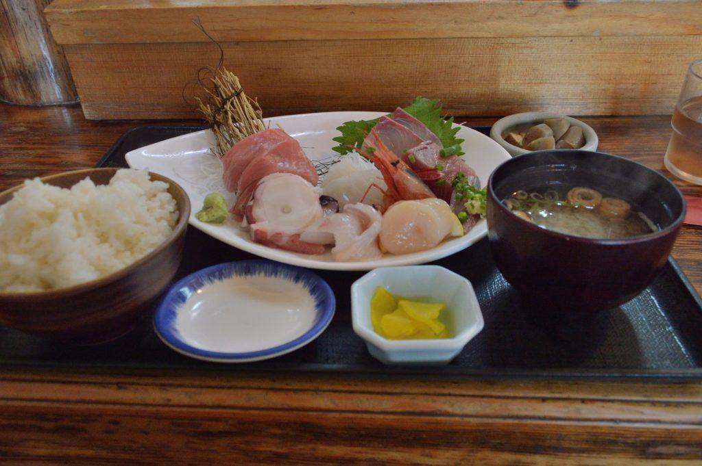 魚康 刺身盛り合わせ定食