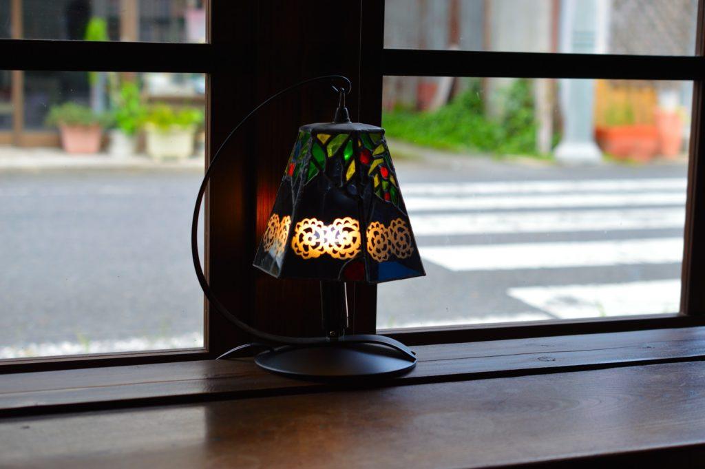 daigo cafe カウンターのランプ 補正