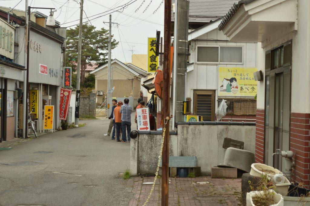 福島県喜多方市 観光 あべ食堂の行列