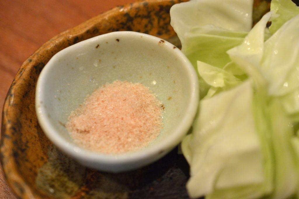 茨城県ひたちなか市2019年10月13日 旬彩かすが 鶏の炙り焼き 塩のつけ塩