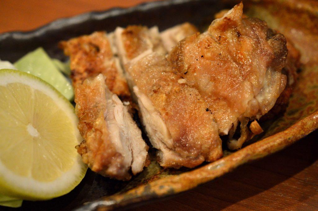 茨城県ひたちなか市2019年10月13日 旬彩かすが 鶏の炙り焼き 塩 レモン