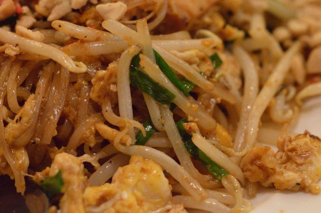 茨城県ひたちなか市 タイ料理 ラカントーン エビ焼きそば (2)