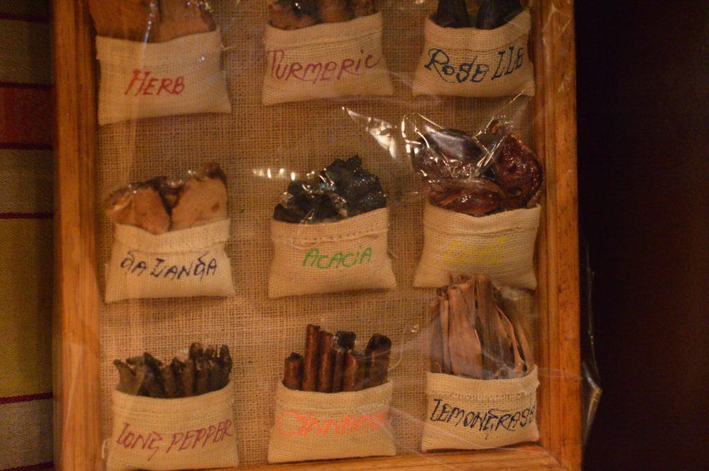 茨城県ひたちなか市 タイ料理 ラカントーン 店内の様子2 (3)