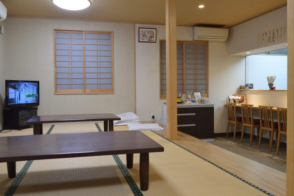 茨城県水戸市 鳥半 夜 店内の様子 (3)