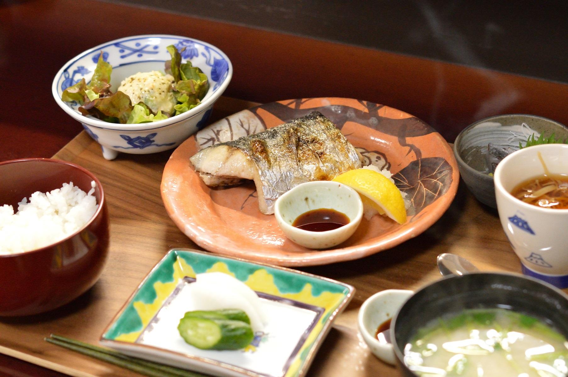 012_茨城県ひたちなか市 たがや02 焼き魚定食