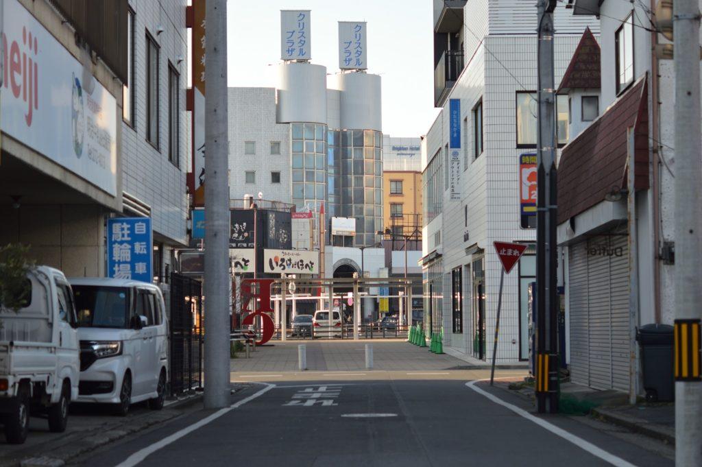 076_茨城県ひたちなか市 勝田そば 駅のそばの通り