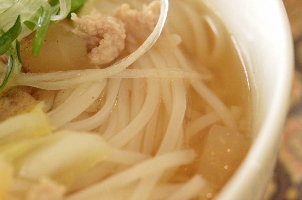 01_茨城県日立市 タイレストランクンシャーン _79 クイティアオセンレック 麺