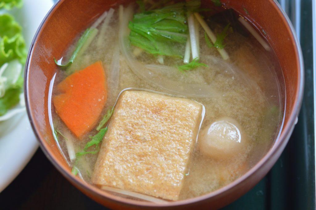 01 021 どんぐり11 グリーンカレーの味噌汁
