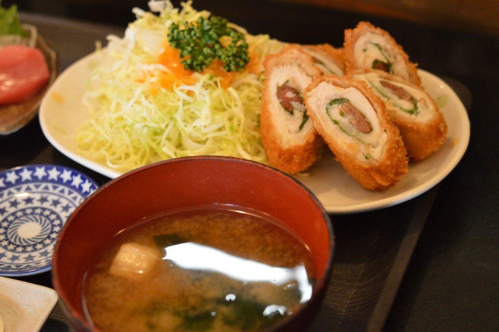 03 010 雑魚屋 ササミチーズ揚定食