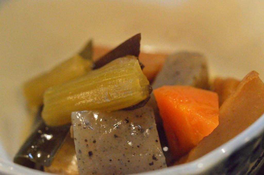 05 019 雑魚屋 カツオのタタキ定食 小鉢