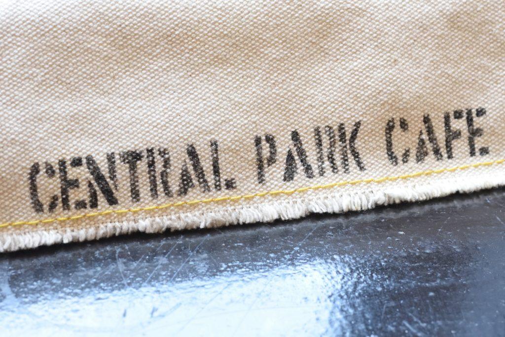 211 055 セントラルパークカフェ