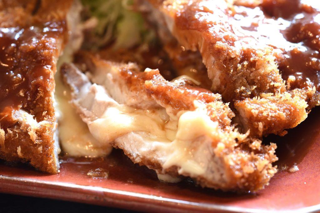 とんかつ一筋かつ吉 チーズとんかつ