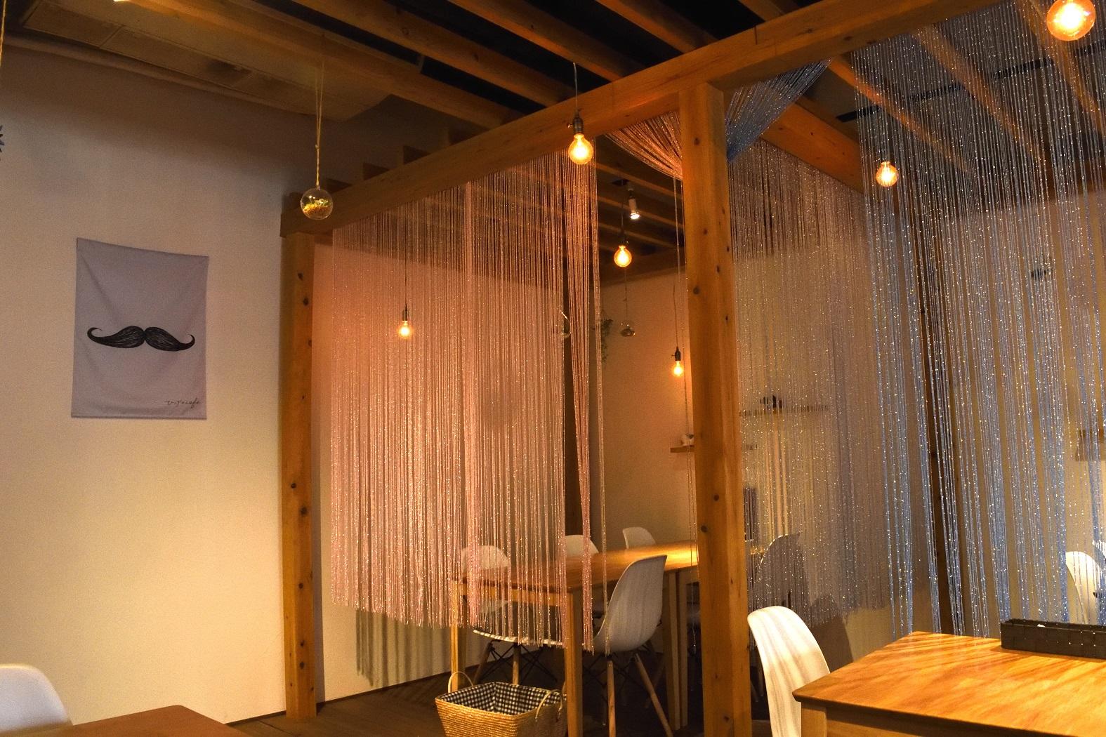 ひげのカフェ 店内