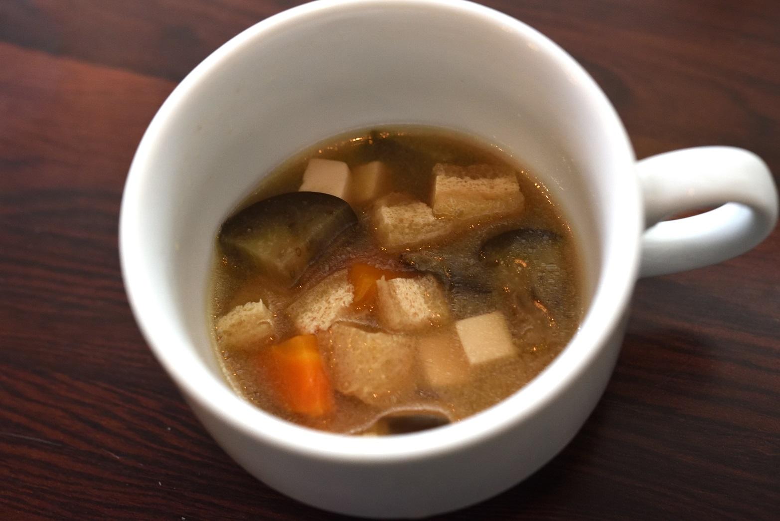 花キャベツ 納豆オムライス スープ