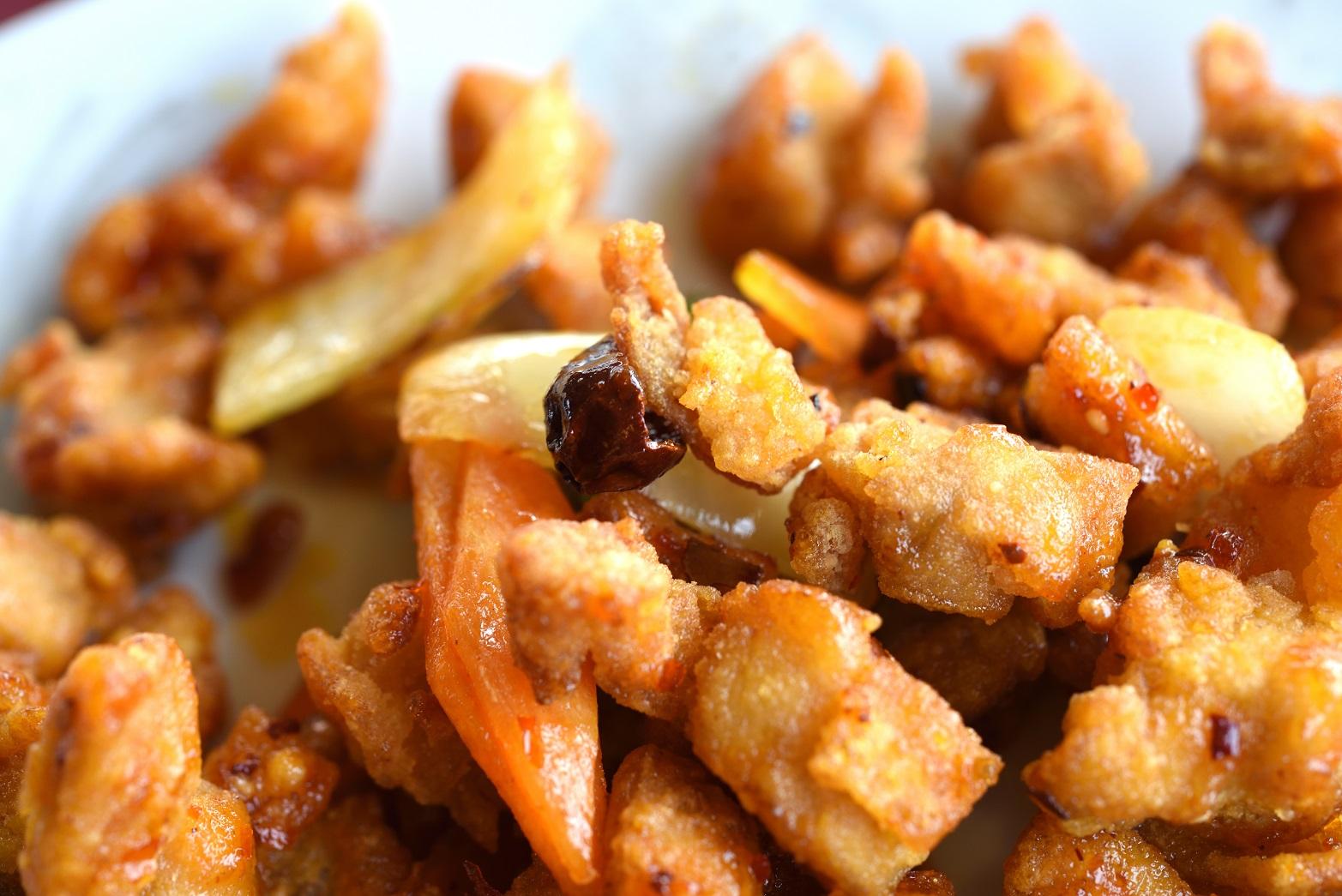 ラオパン飯店 鶏肉の唐辛子炒め