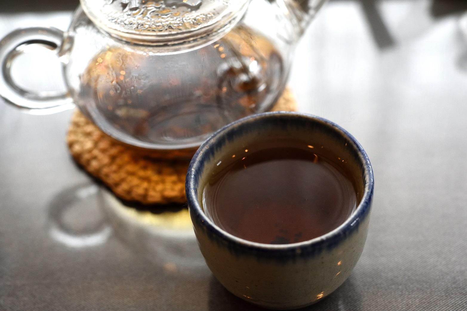 ラ・ターブル・ドゥ・イズミ お茶