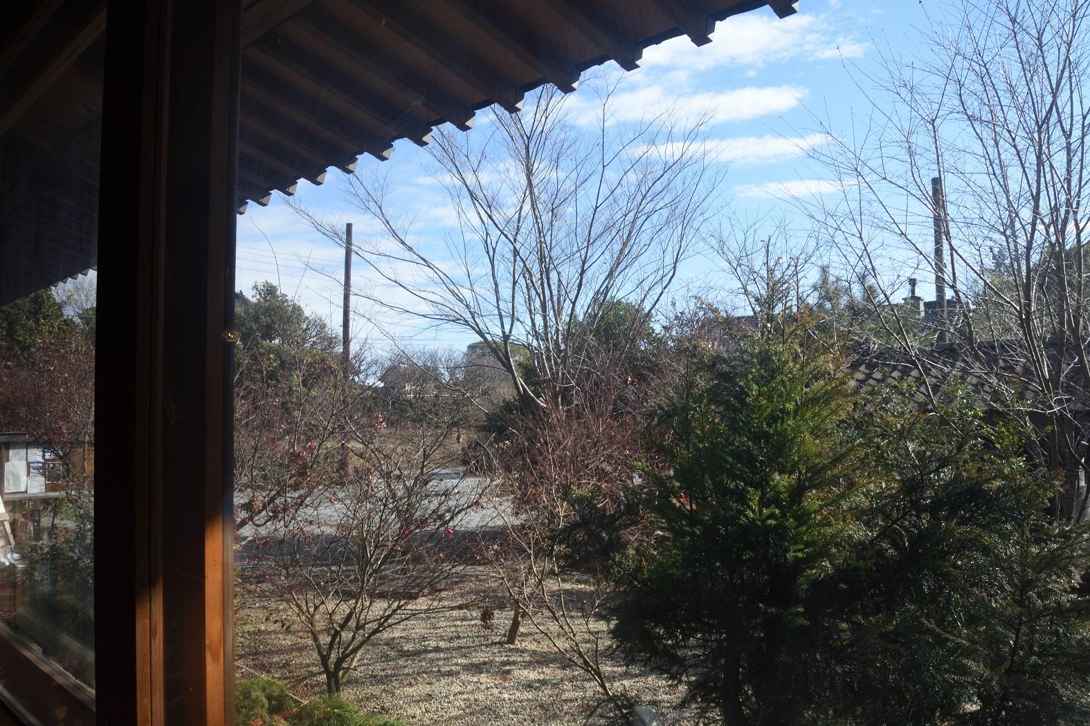椛や 窓の外