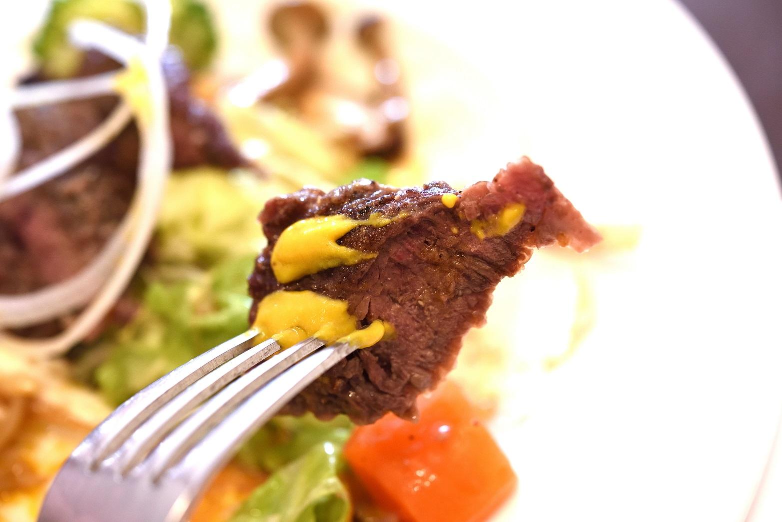 グルヌイユ 茨城県産ダチョウのステーキ