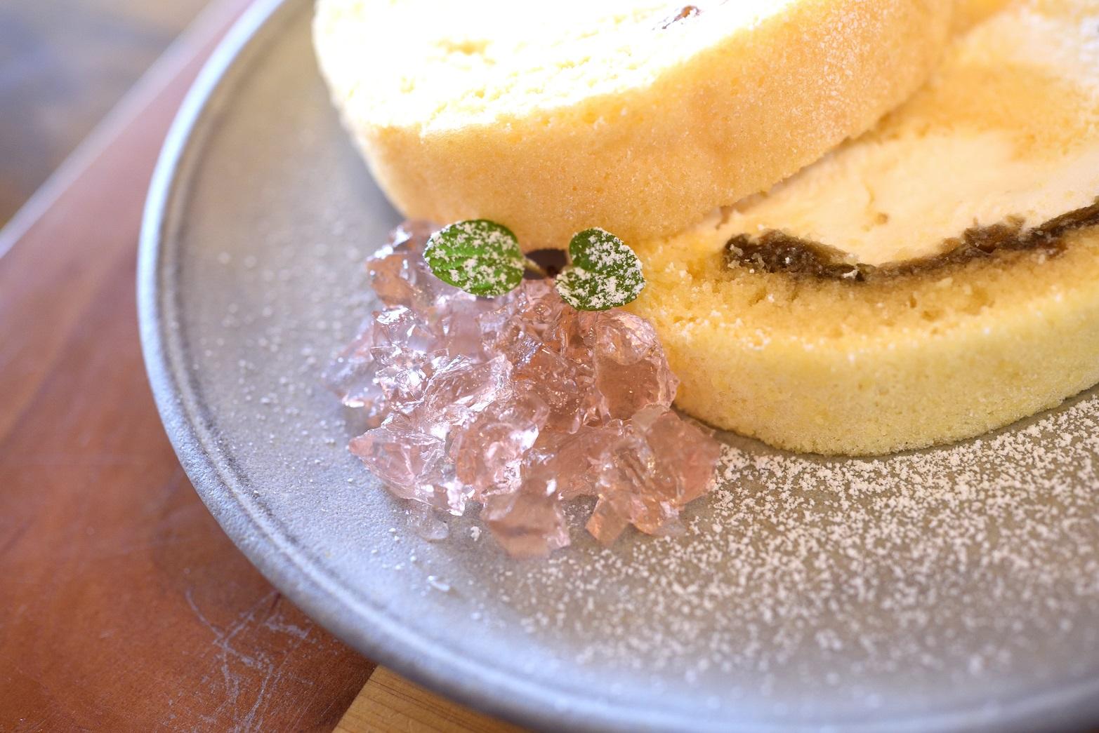 梅カフェwaon 常陸の梅ロールケーキ