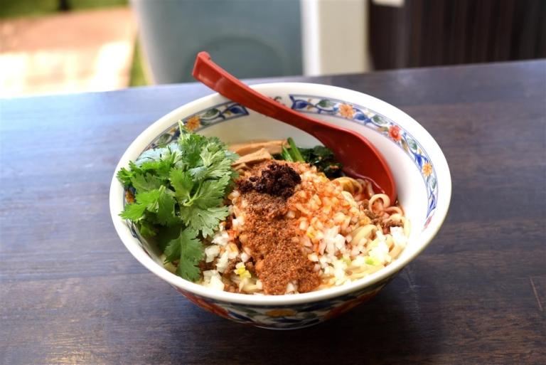キッチン・ヤン 四川風担々麺(汁なし)
