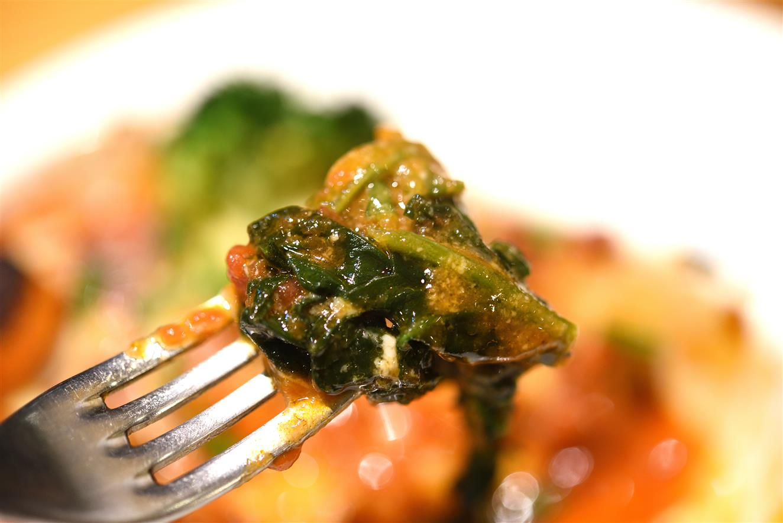 オラゲ 国産豚バラ肉トマトチーズ焼き